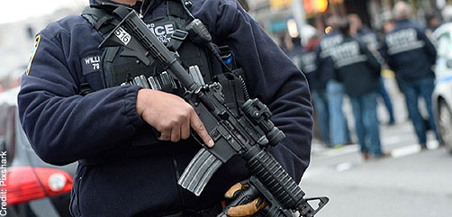 NYPD officer with AR-15 - ALLOW IMAGES