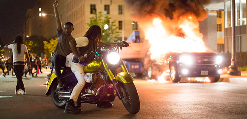 Scene from Washington, DC riots, May 30, 2020. Photo by Brett Weinstein.- ALLOW IMAGES